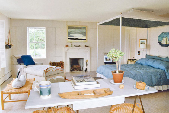 MASSACHUSETTS: Bunny's bedroom and love of blue in evidence