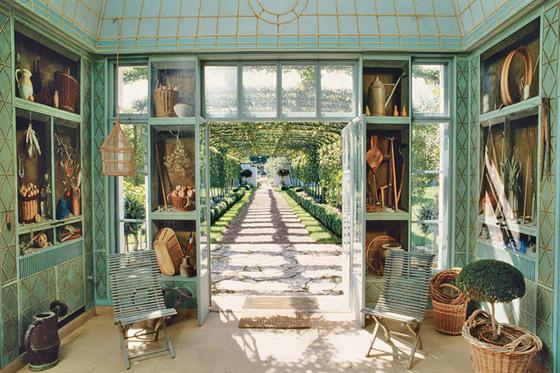 VIRGINIA: The doors of the Fernand Renard mural concealed Mellon's gardening tools