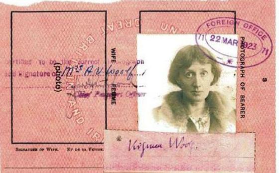9-Passport-Photos-of-Iconic-Figures.jpg
