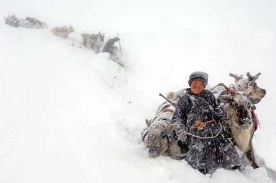 mongolia_reindeer_tribe_4.jpg
