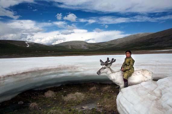 mongolia_reindeer_tribe_9.jpg