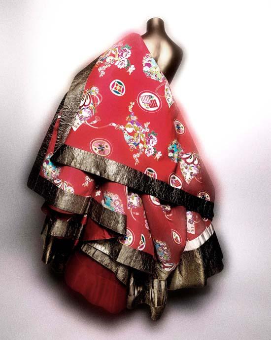 Dress-JohnGallianoforHouseofDior-Spring2003.nocrop.w1800.h1330.2x.jpg