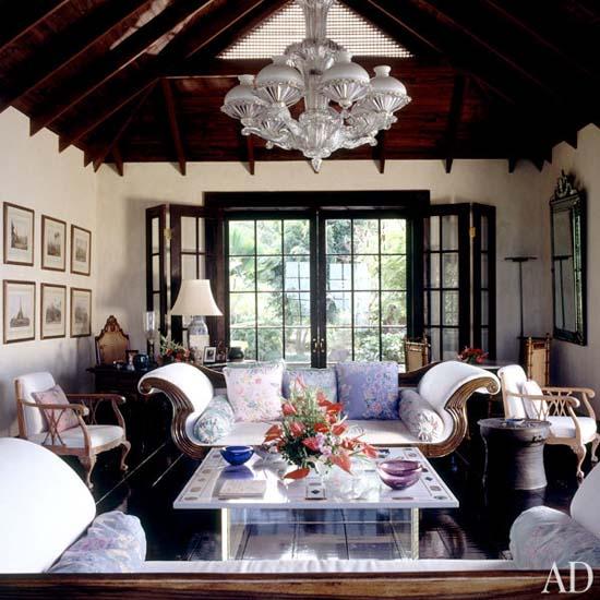 dam-images-celebrity-homes-1992-david-bowie-david-bowie-05-living-room.jpg