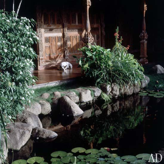 dam-images-celebrity-homes-1992-david-bowie-david-bowie-08.jpg