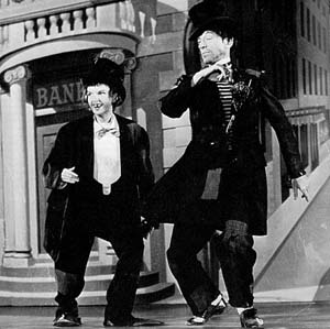 """Was Browne inspired by Judy Garland & Fred Astaire 's """"bum chic"""" number in """"Easter Parade""""?"""