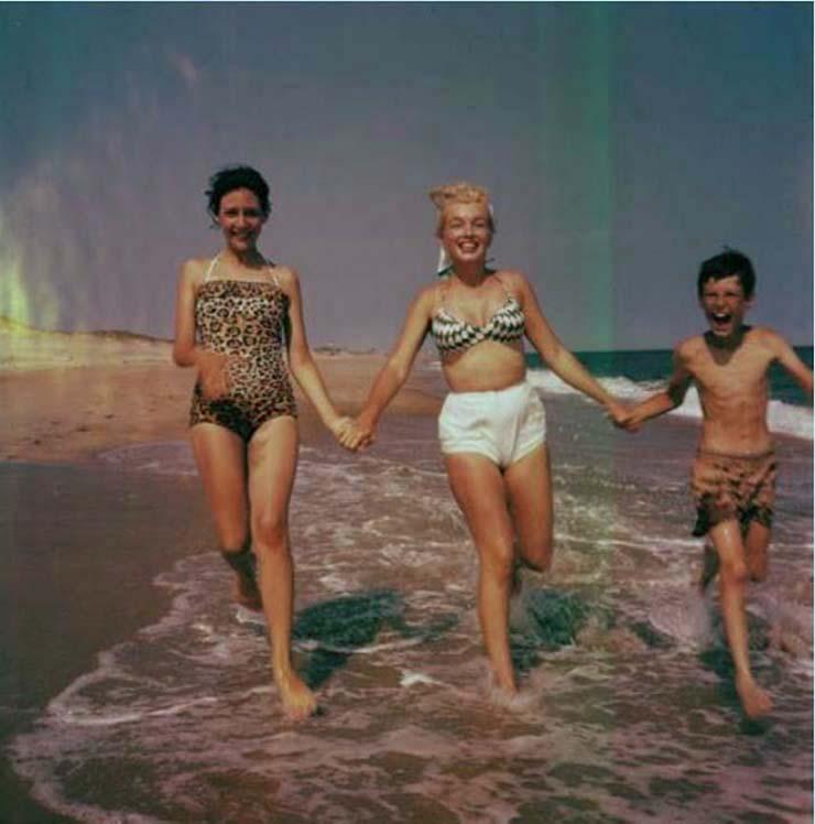 marilyn-monroe-on-vacation-in-amagansett-new-york-1957-8.jpg