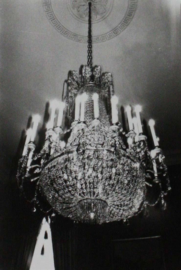 andy-warhol-chandelier-photographs-gelatin-silver-print-zoom_550_818.jpg