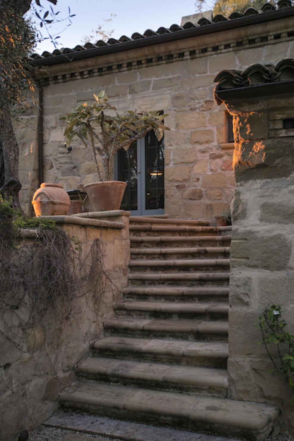 40-2840HiddenValley_62-Staircase+to+Kitchen.jpg