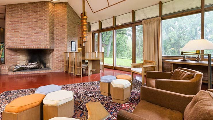 frank-lloyd-wright-house-fireplace-640x360-c.jpg