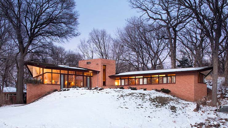 frank-lloyd-wright-house-snowy-hill-640x360-c.jpg