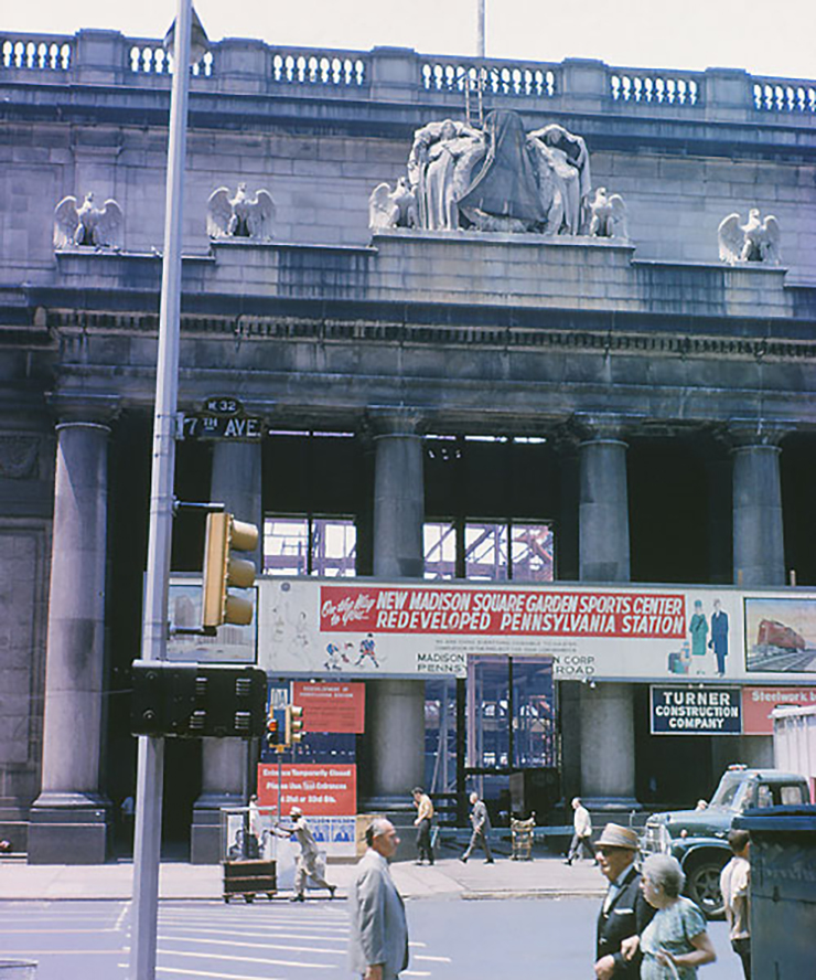 Built in 1920, workers started tearing down Pennsylvania Station in October of 1963. (Read the red signage and then the text on the Chase ad, below.)