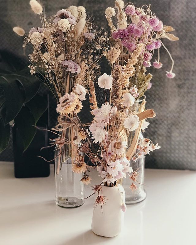 INSPIRATION  Flowers @fleur_sisters #colourinspiration #inspiration #stylinginspiration  #styling #makeup #makeupartist #hair #hairstylist #makeupartistandhairstylist #sandrawograndlmakeup #sandrawograndlhair #australia #europe #hairartist