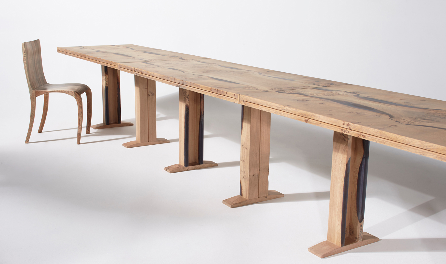 25Conference-table-in-English-oak_2.jpg