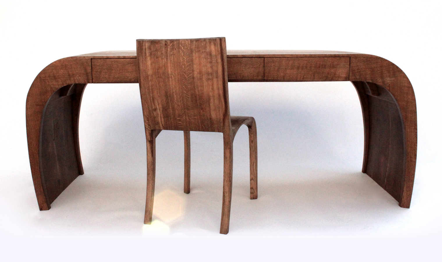 8Caliper-Desk-and-Chair_1.jpg
