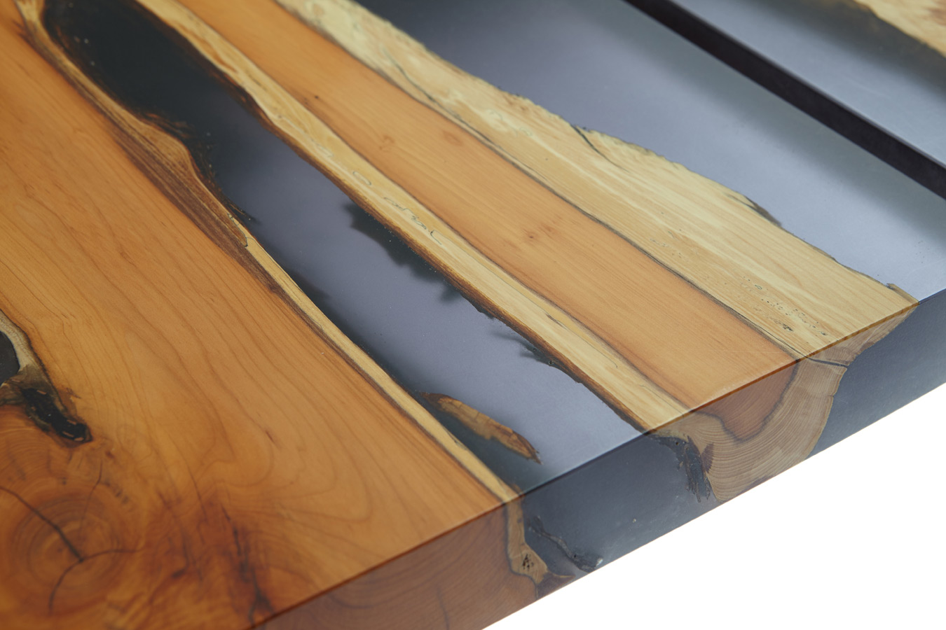 21_Yew-and-resin-dining-conference-table_3.jpg