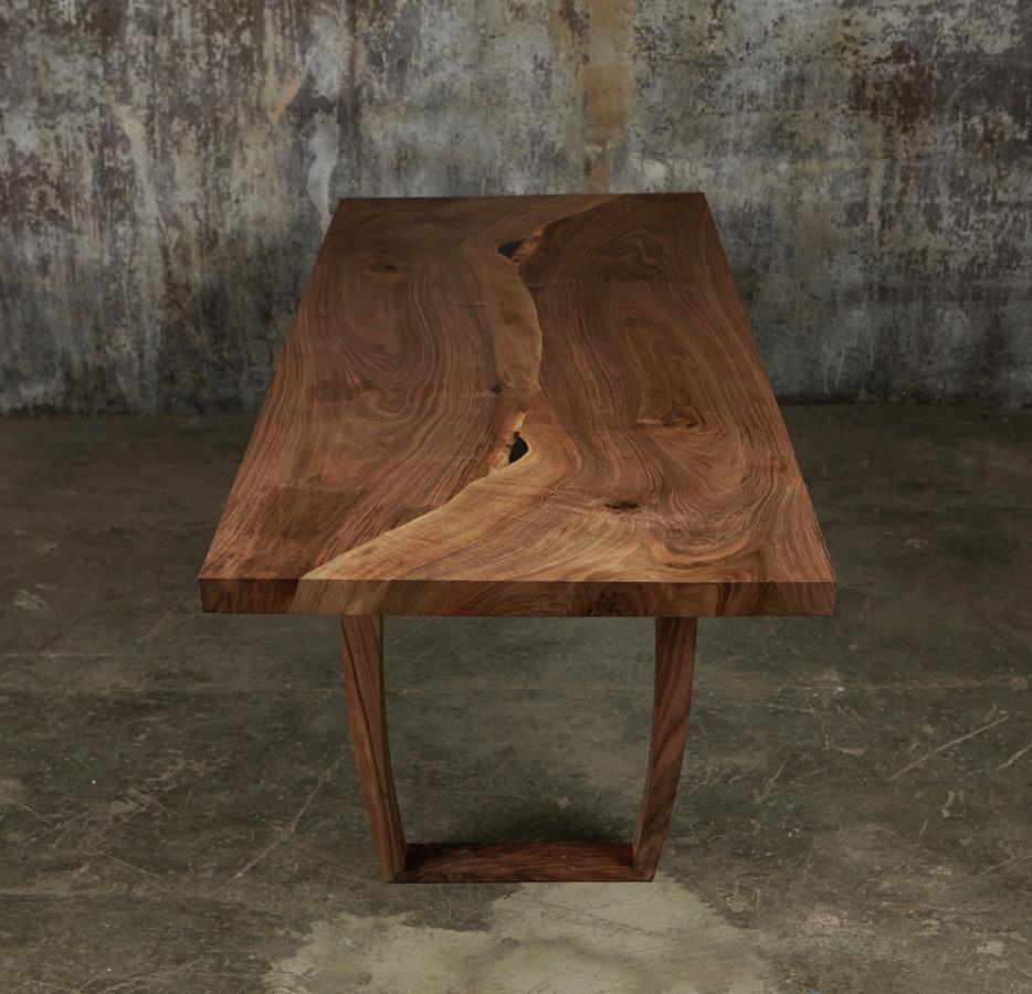 31_Dining-table-in-English-walnut_3.jpg