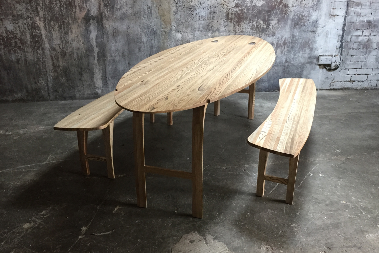 33_Oval-drop-leaf-table-in-solid-ash_7.jpg
