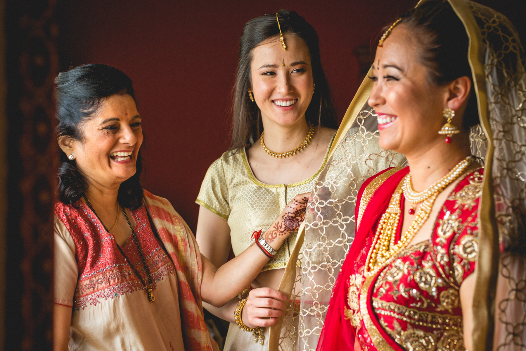 indian-south-asian-wedding-getting-ready-details-4.jpg
