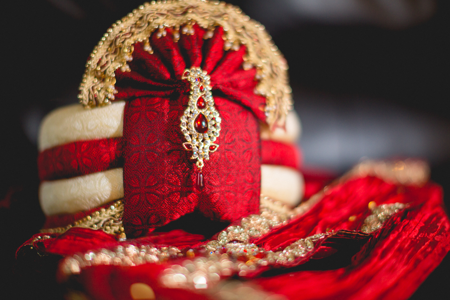 indian-south-asian-wedding-getting-ready-details-35.jpg