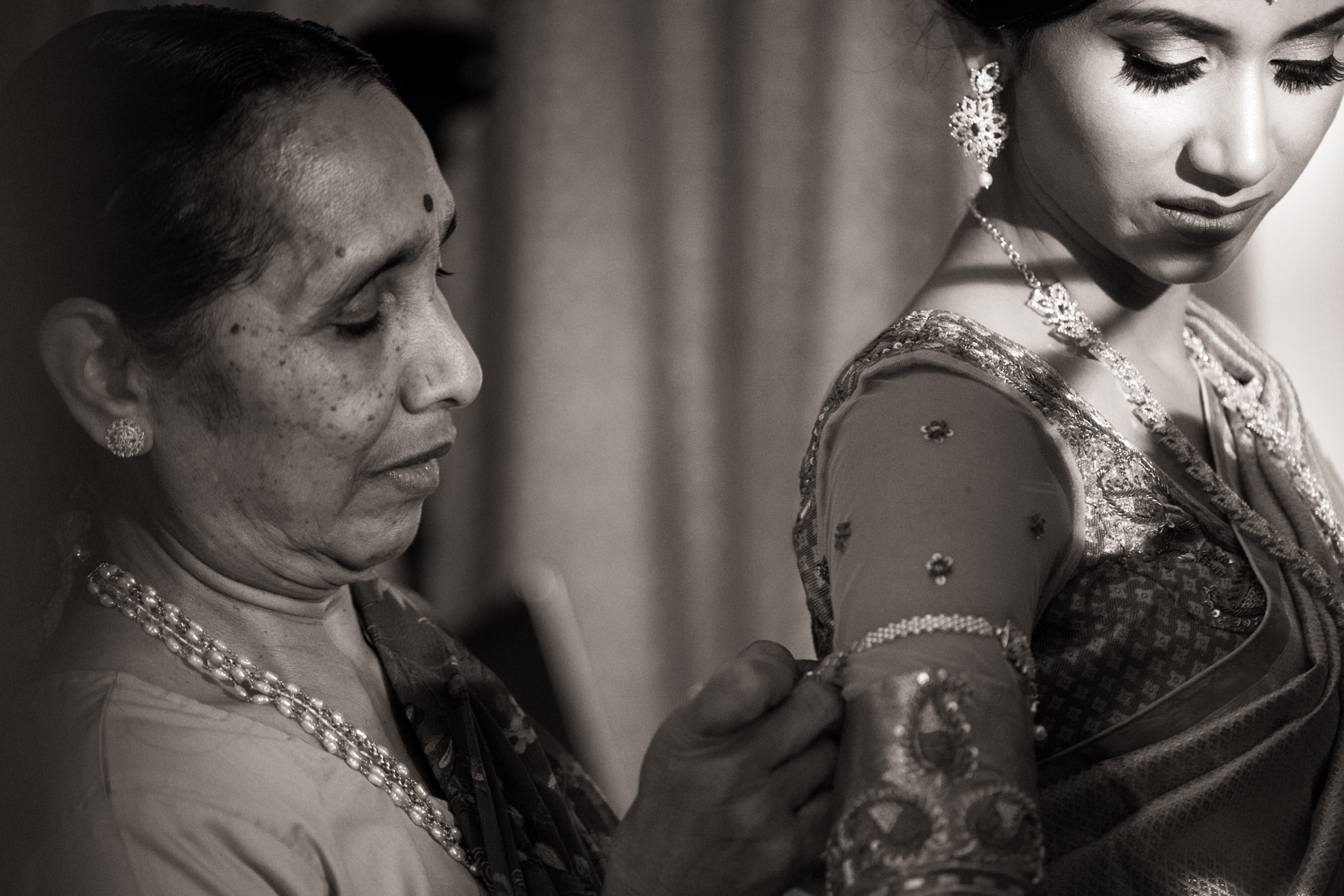 indian-south-asian-wedding-getting-ready-details-46.jpg