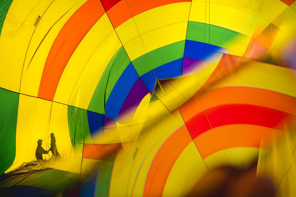 creative-portraiture-hot-air-balloon-proposal-engagement-austin-texas-photographer