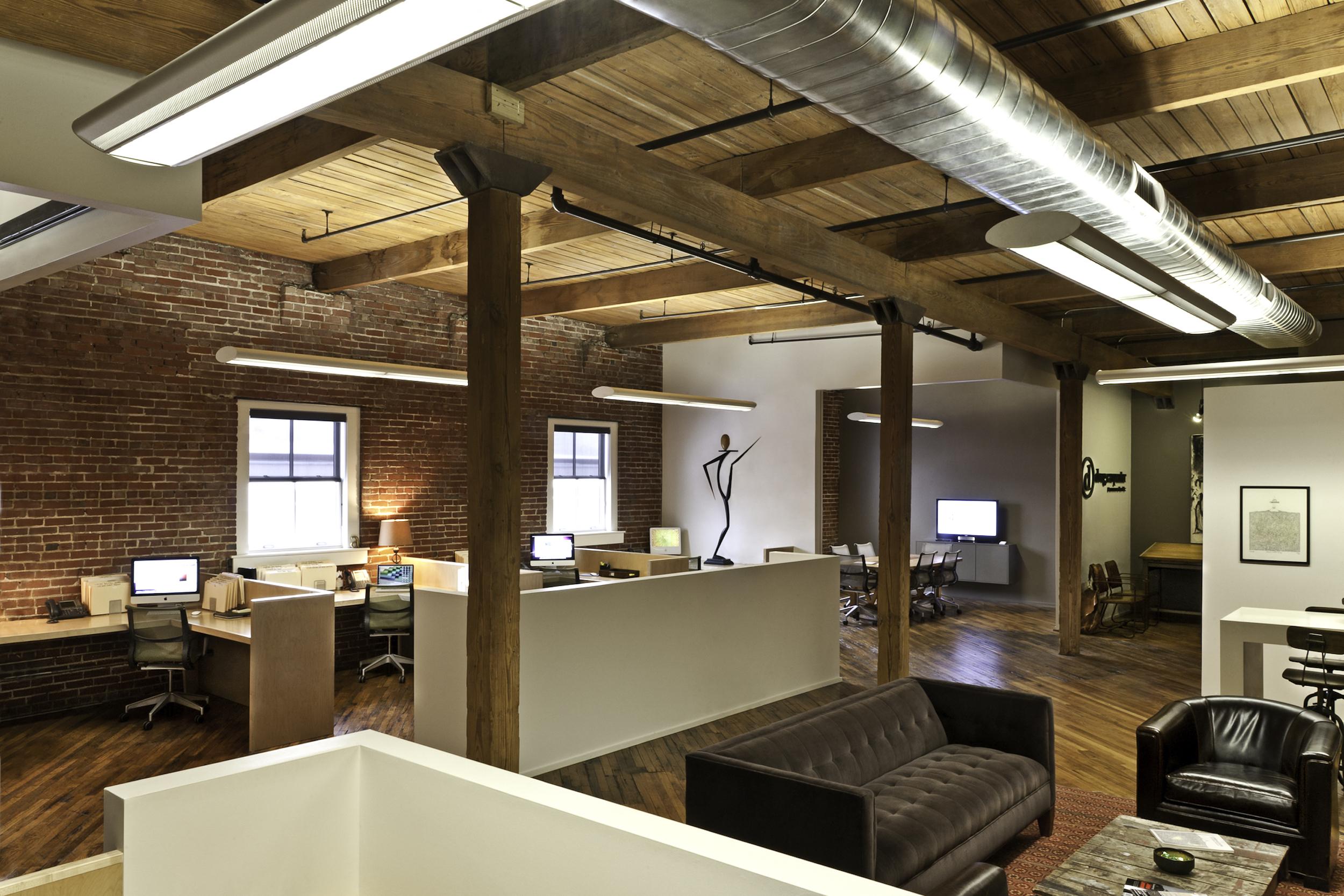 OFFICE 01_2500w.jpg