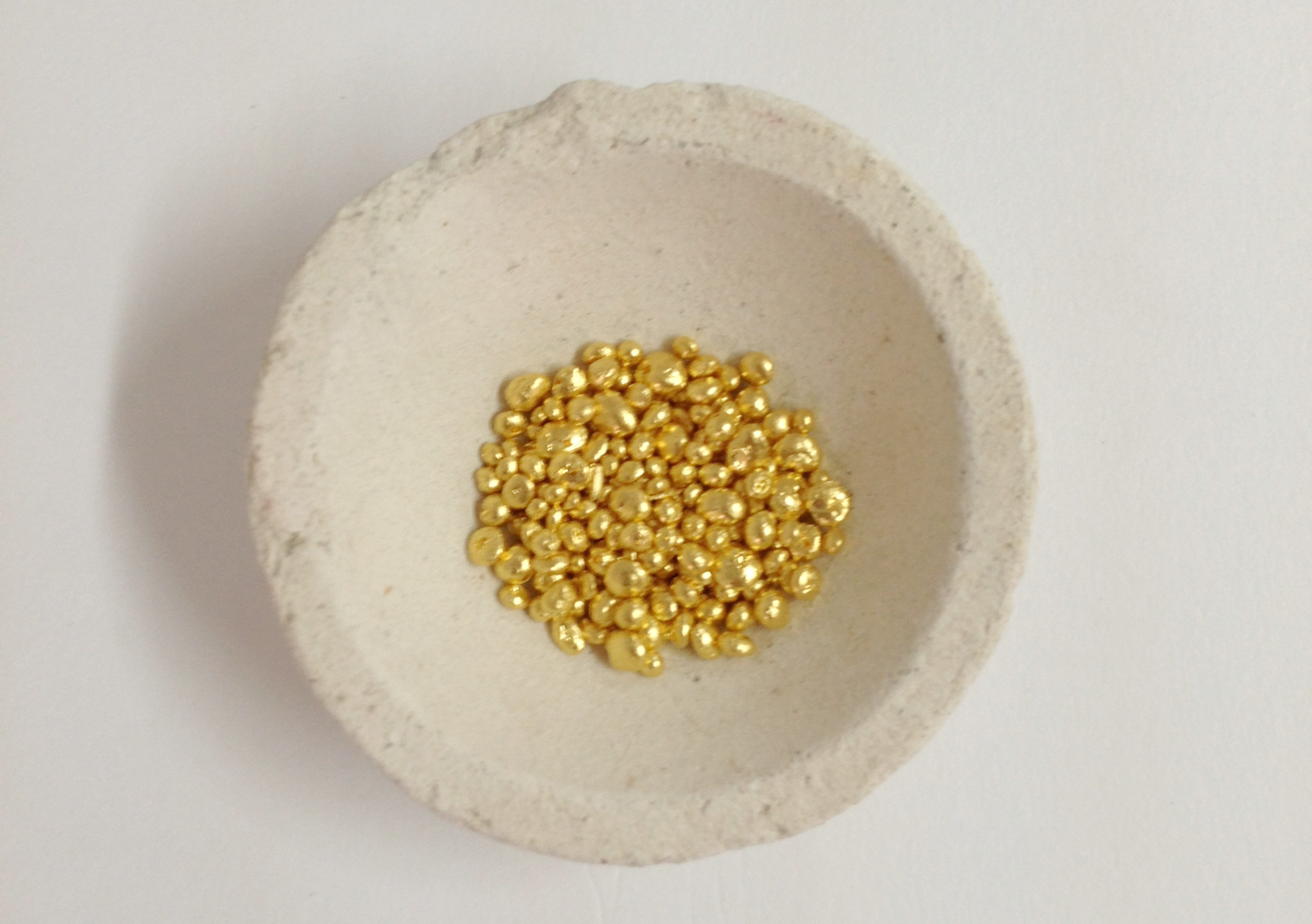 fine gold nugget already to melt