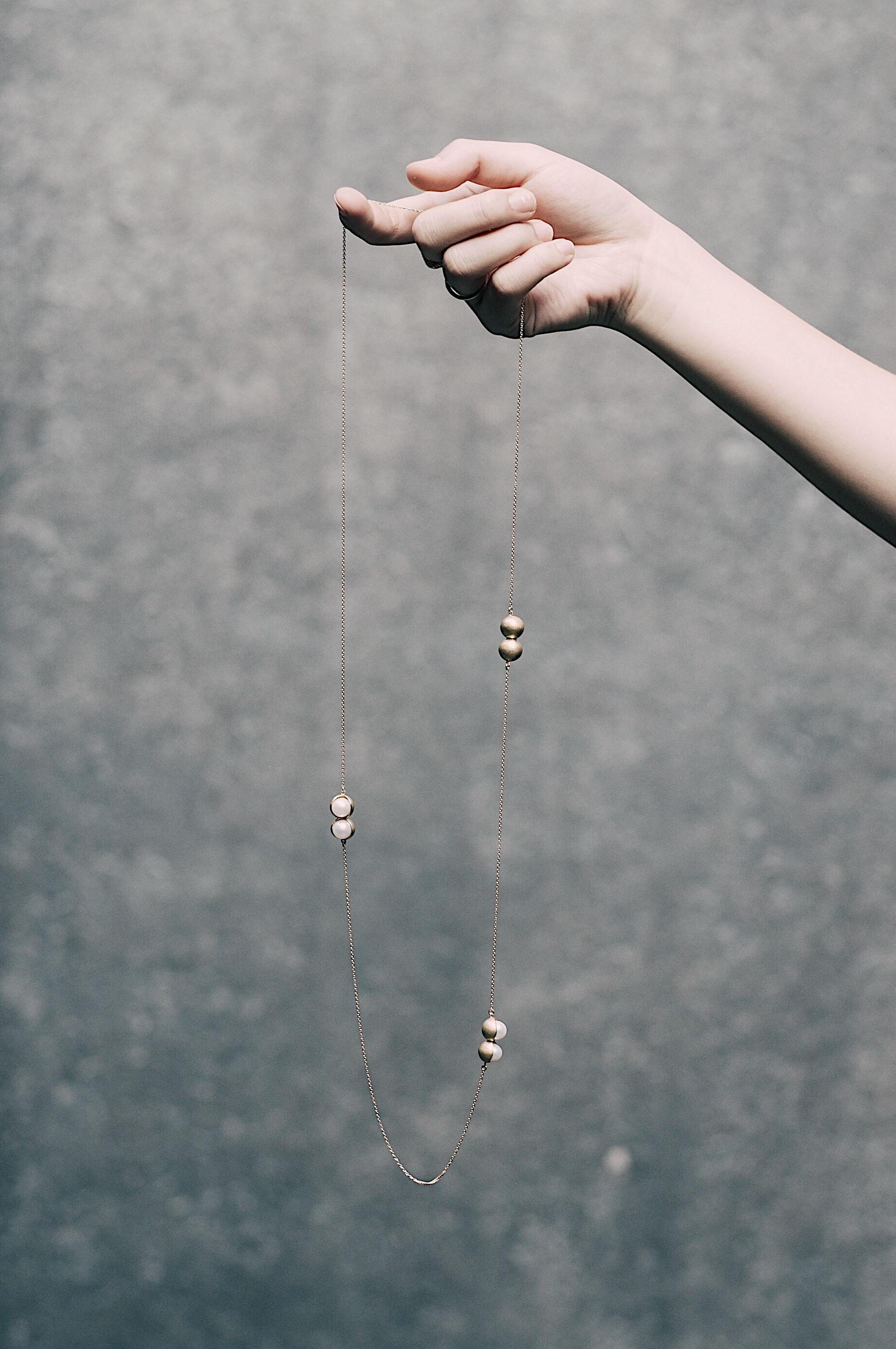 Fruity twins pearl long pendant