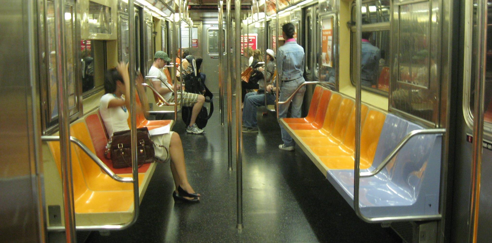R62A_SMS_Interior_2406_1_Train.jpg