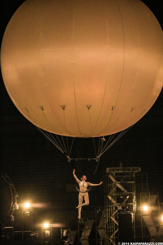 Lilli performing the Heliosphere
