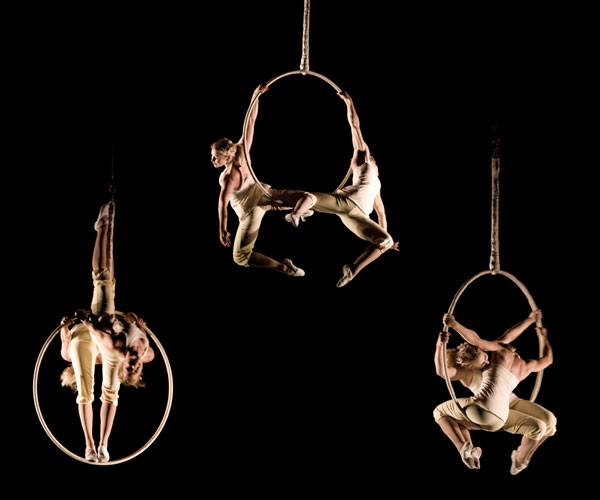 Aerial Hoop Duo, Lilli 03.jpg