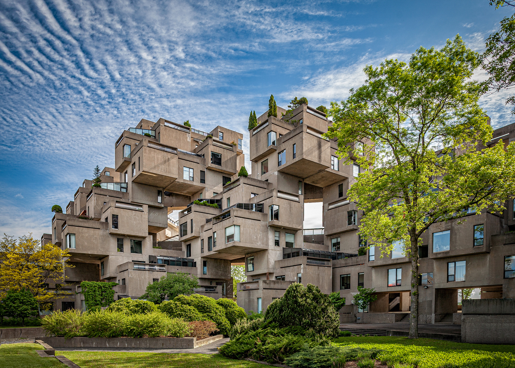 Habitat 67 (1967)  Moshe Safdie & Associates, Architects   (photo by Timothy Olcott)