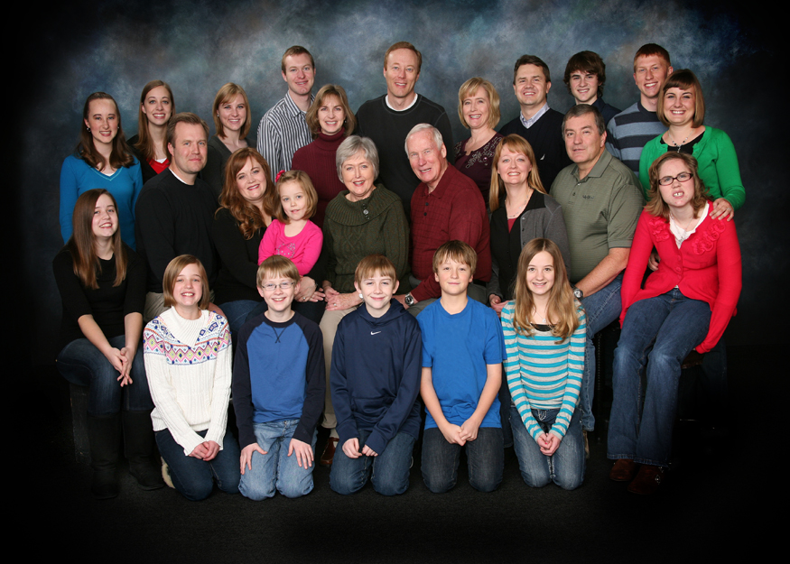 Bountiful portrait Studio photography, large family portraits in
