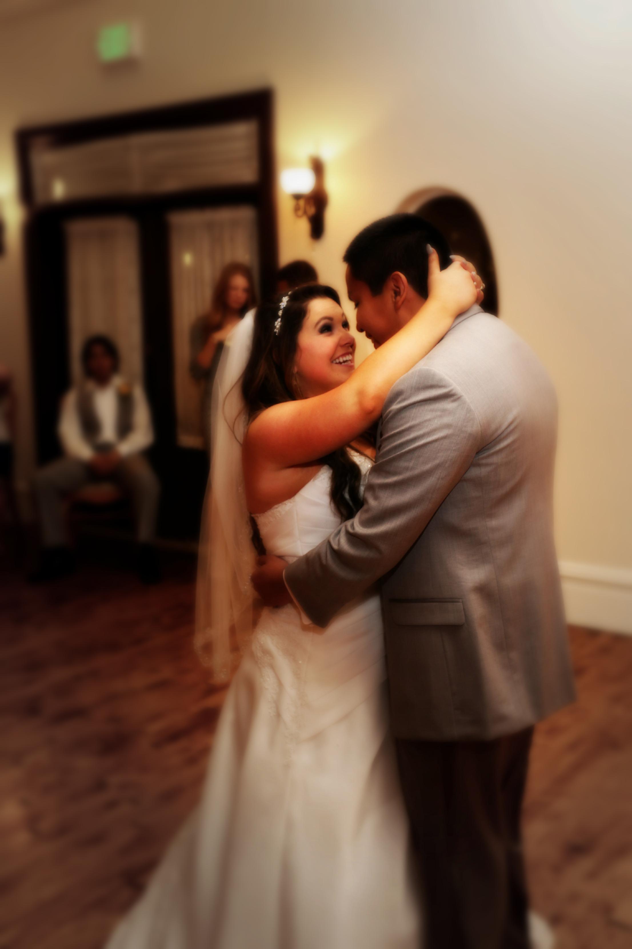Bountiful wedding dance photography, by Kelly Loveless
