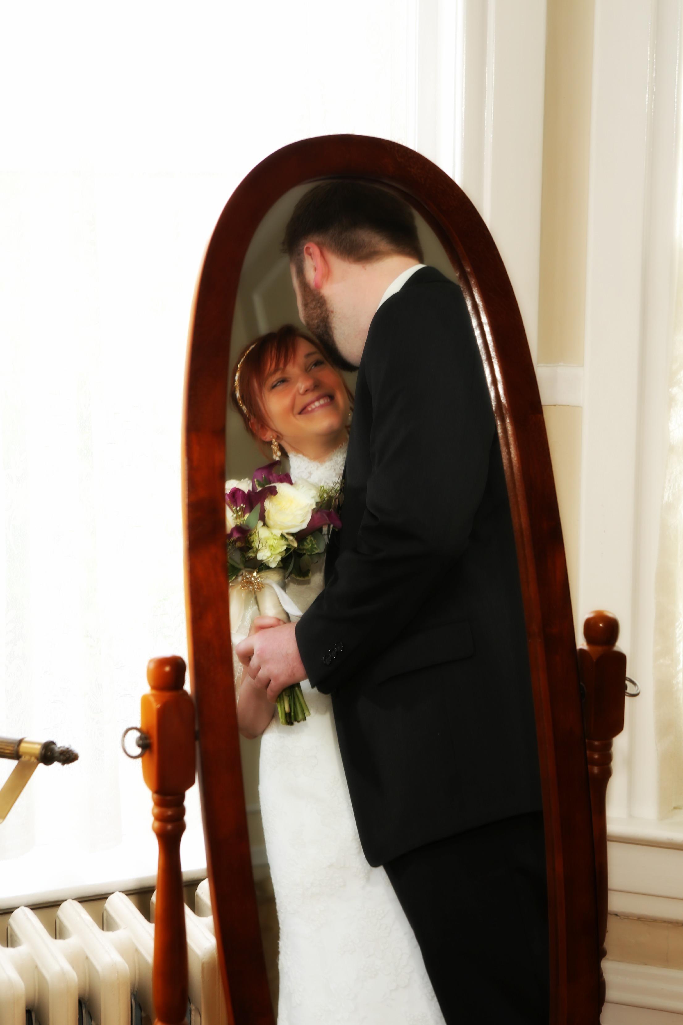 Wedding photography in Bountiful reception center