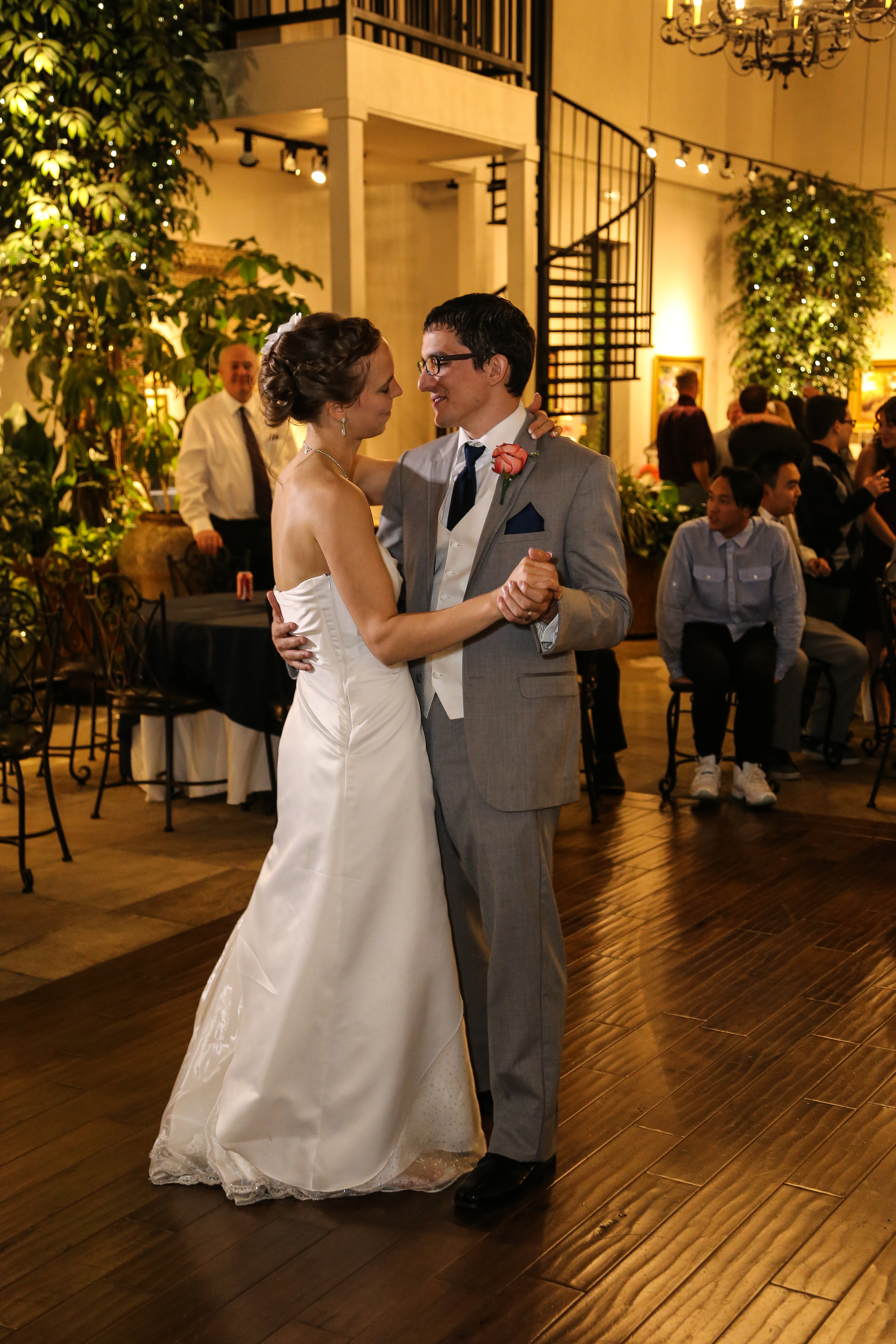 Wedding reception dance by Bountiful wedding photographer, Wasatch Portrait Photography