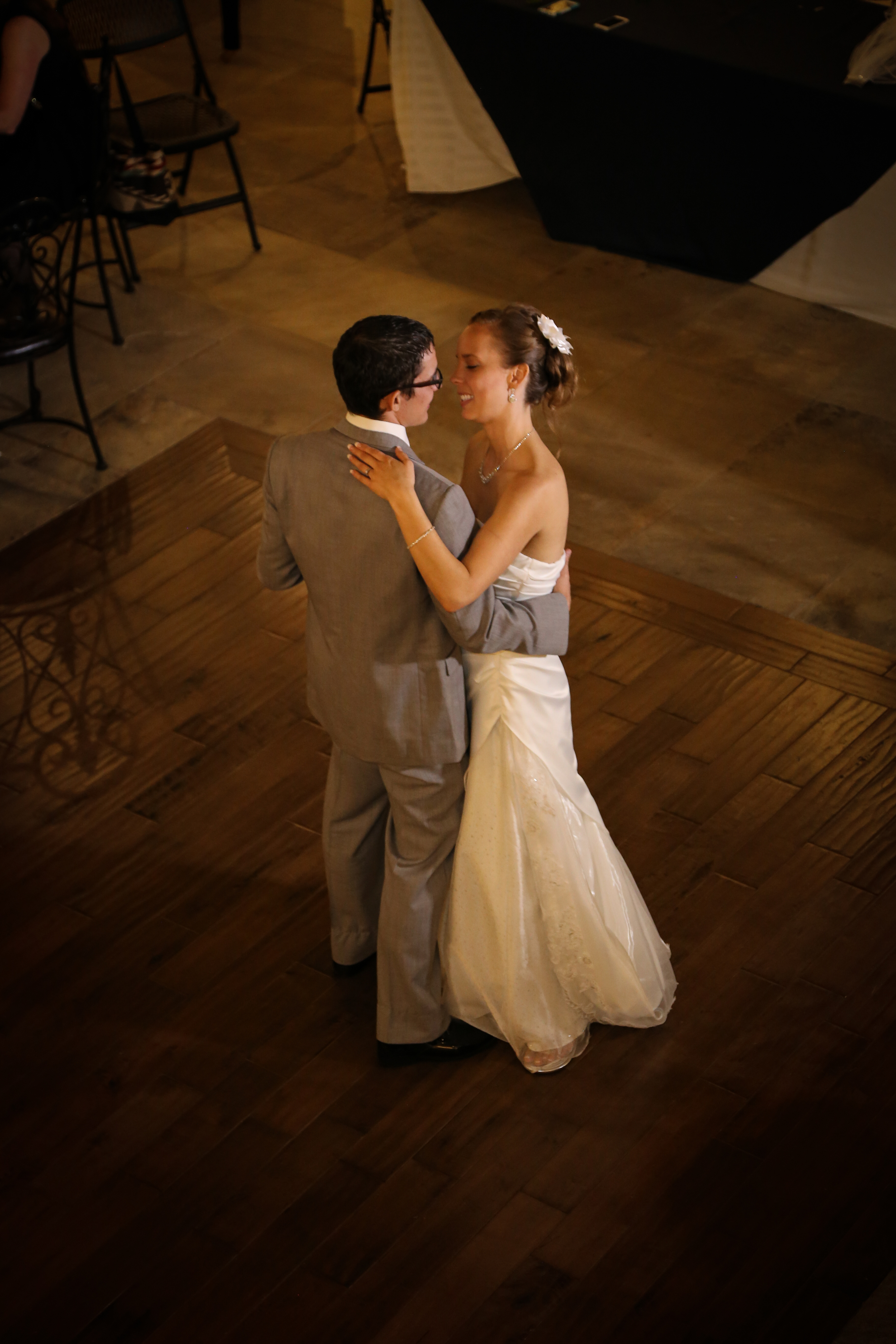 Bountiful wedding photographer, Kelly Loveless
