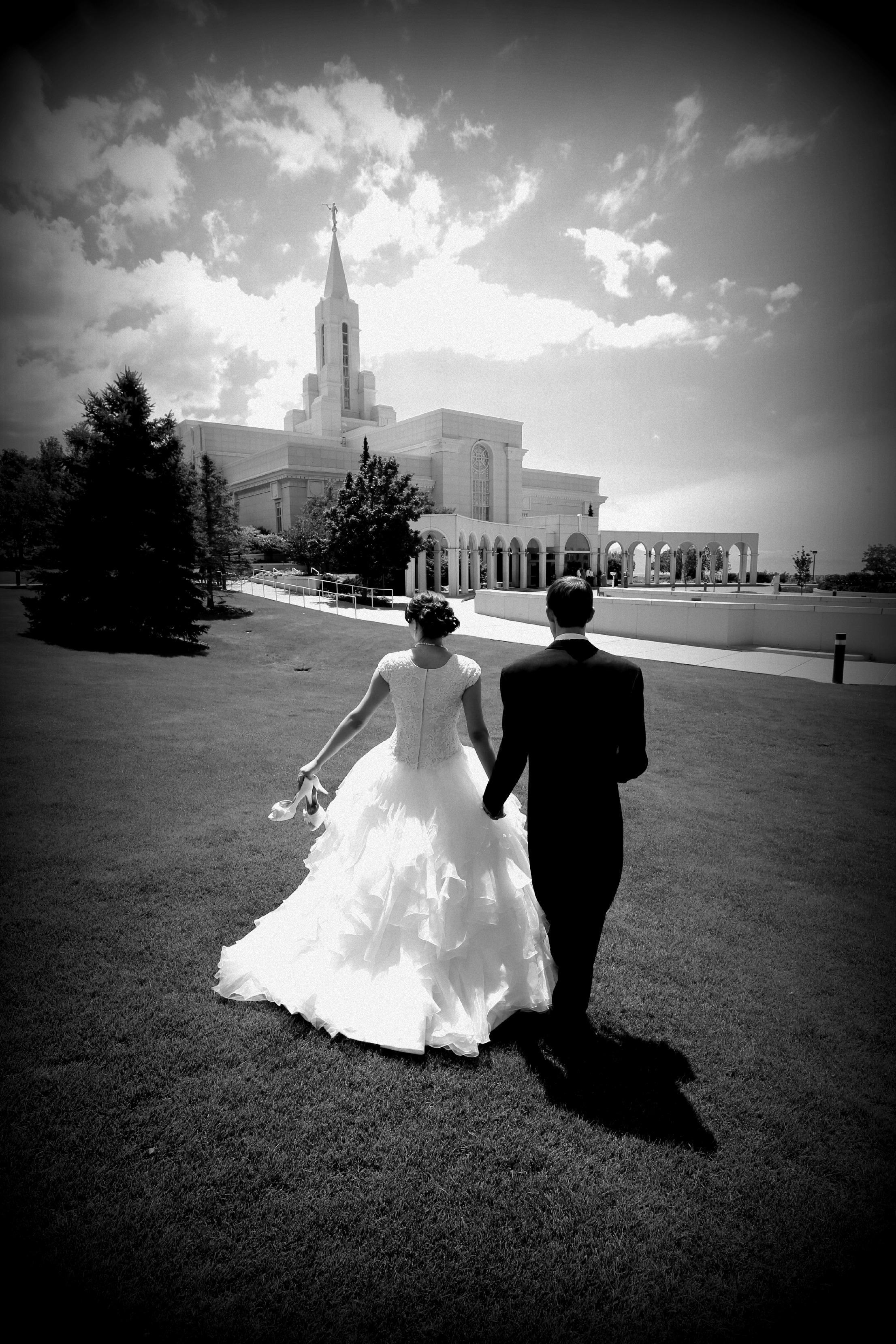 Bountiful wedding photography at the Bountiful Temple