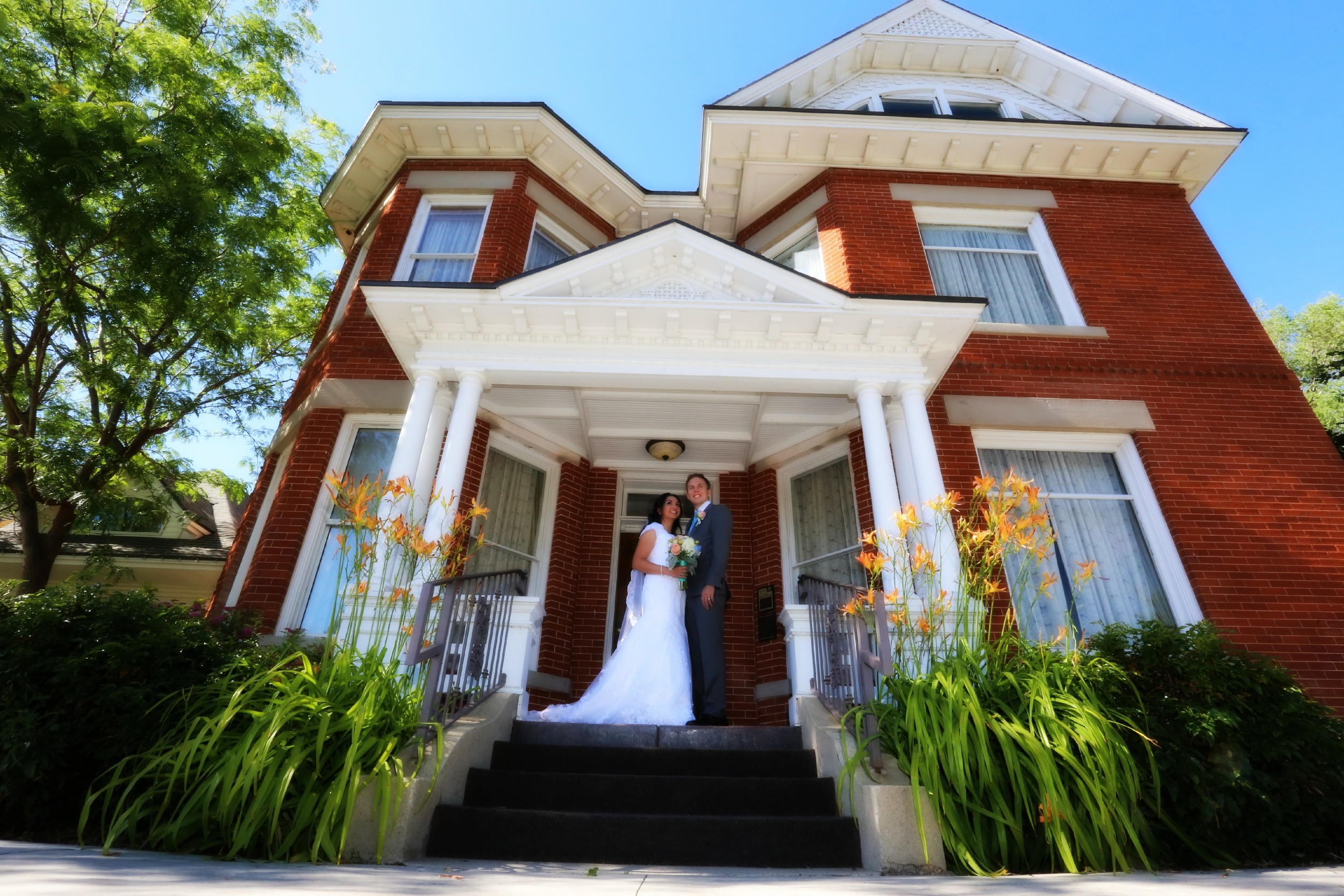 Wedding photography in Bountiful wedding reception center