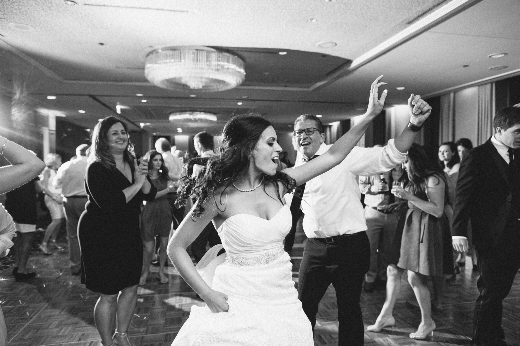 Aon_Jablonski_Weidman_7_dance.jpg