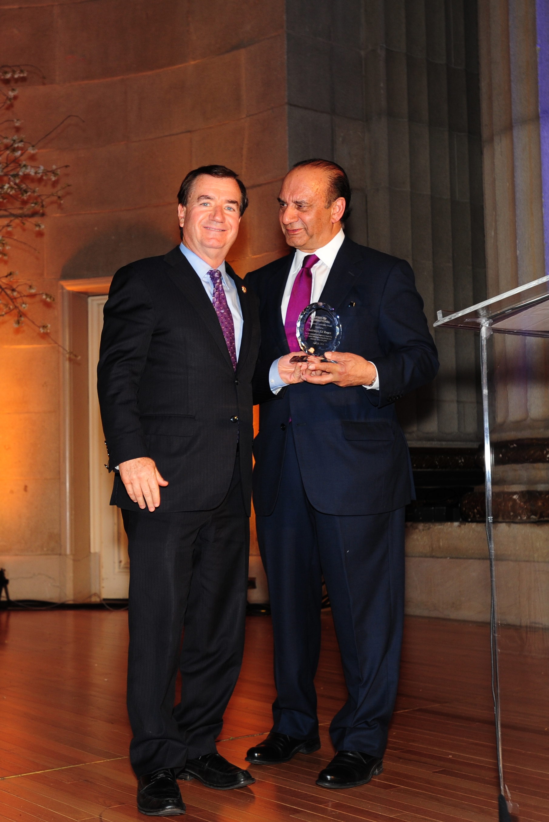 Rep. Ed Royce receives Congressional Leadership Award from RI Emeritus Board Member Farooq Kathwari