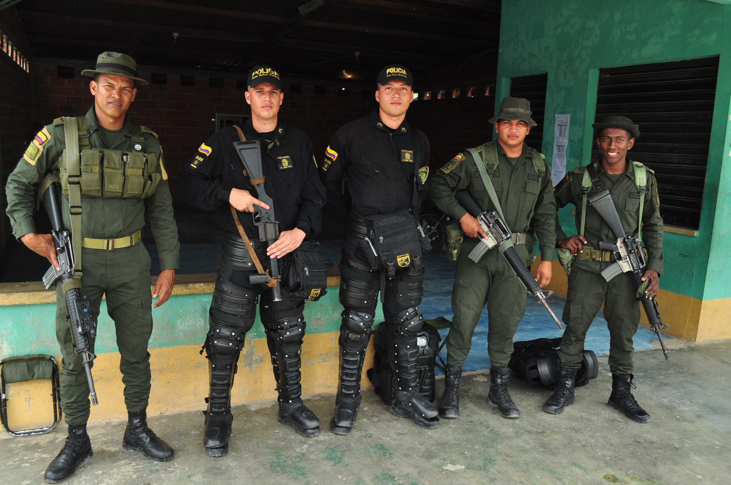 Colombian police and army deploy to areas of the country where communities carry out strikes over the lack of government services or discontent with international extractive industries, such as this force in the department of Putumayo. However, few communities living in confinement benefit from such robust protection, thereby paving the way for armed groups to fill power vacuums.