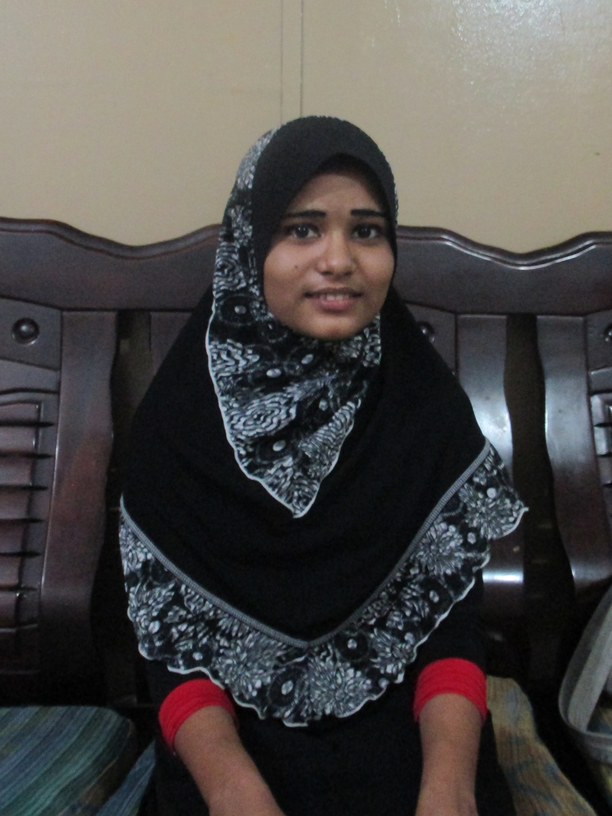 In May 2015, thousands of Rohingya along with Bangladeshi migrants and asylum seekers were abandoned at sea. Twelve-year-old Alinisa* –along with many others –had to swim for several hours before being saved by fishermen.