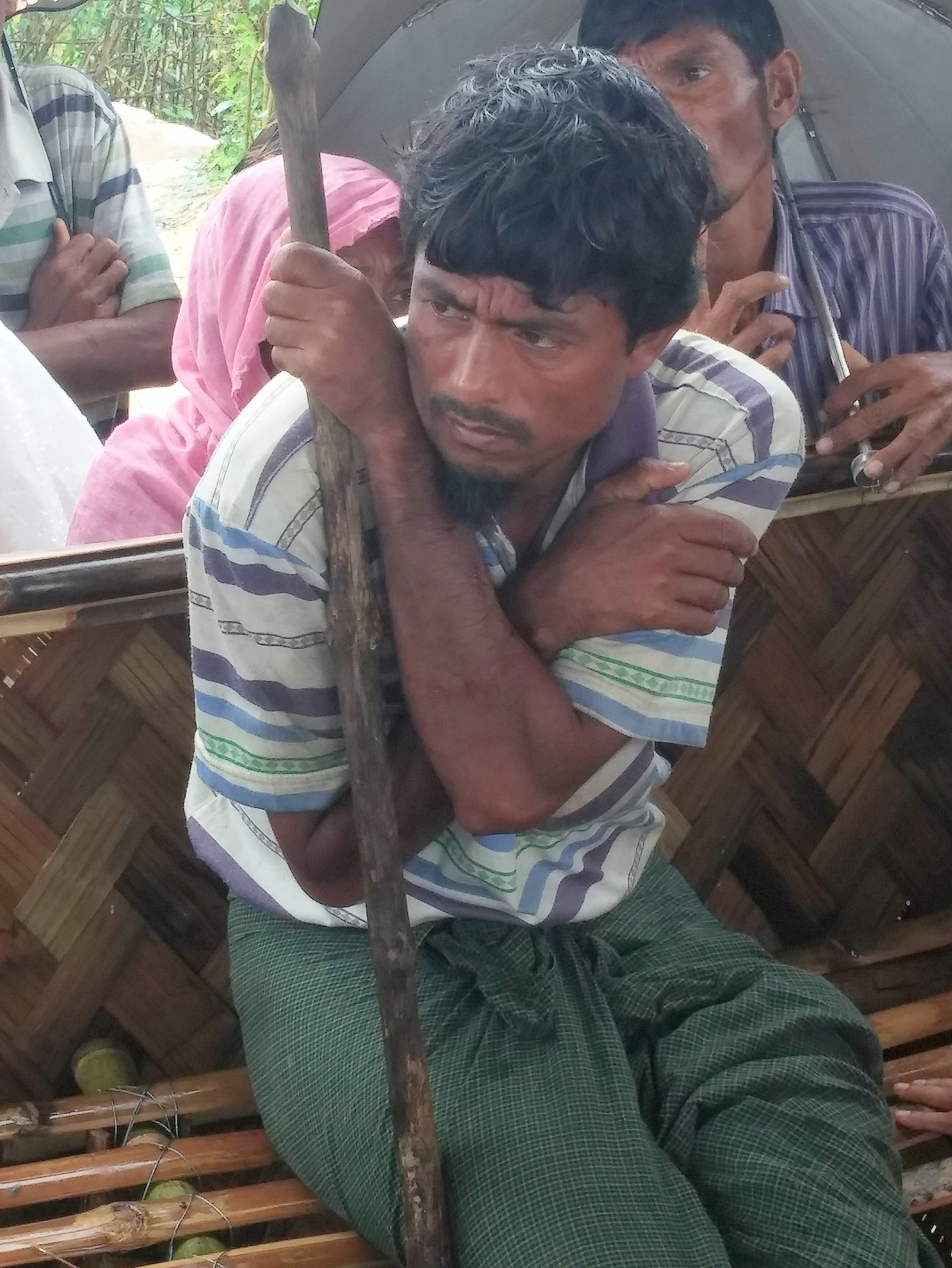 RI spoke with recently arrived Rohingya with fresh wounds from gunshots, stab wounds, and burns. This man told RI he lost his son to a shrapnel wound and has been treated for shrapnel in his own leg.