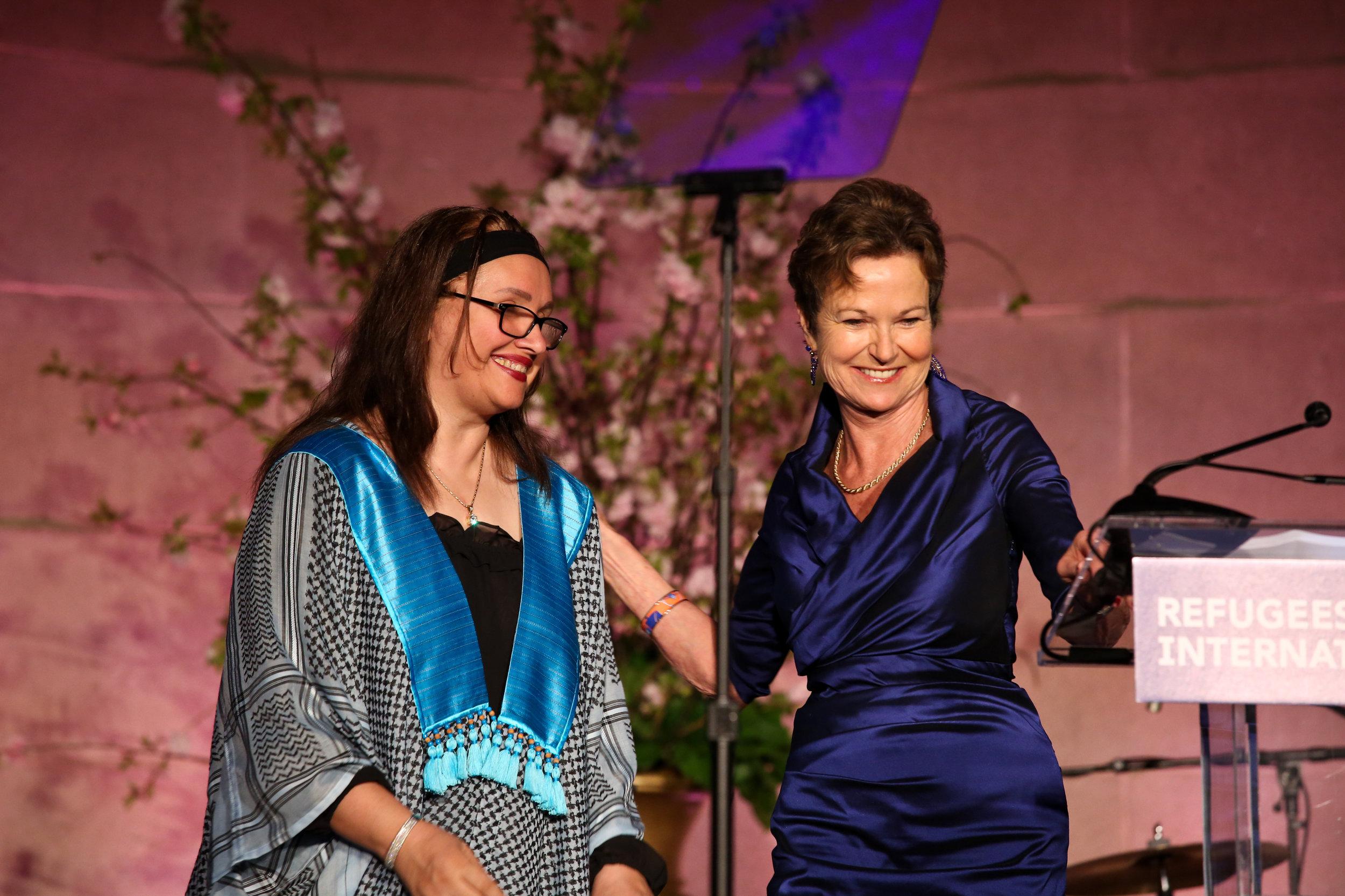 Kati Marton presents the 2018 Richard C. Holbrooke Award to Hala al-Sarraf of the Iraq Health Access Organization.