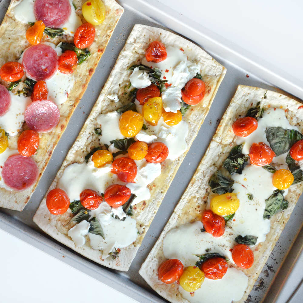caprese flatbread | colorwhirl