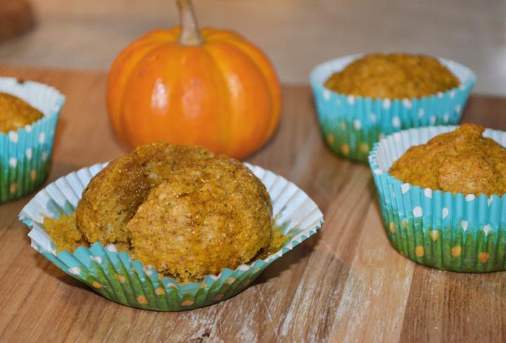 colorwhirl | pumpkin spice corn muffins