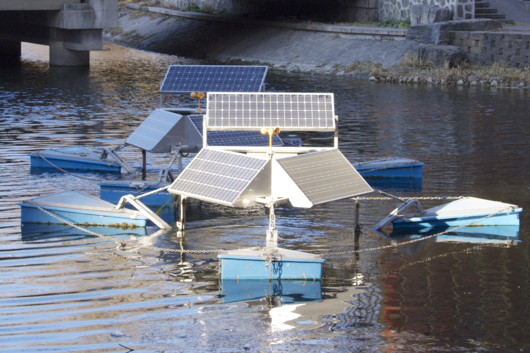 Solar powered ventilation of standing waters.