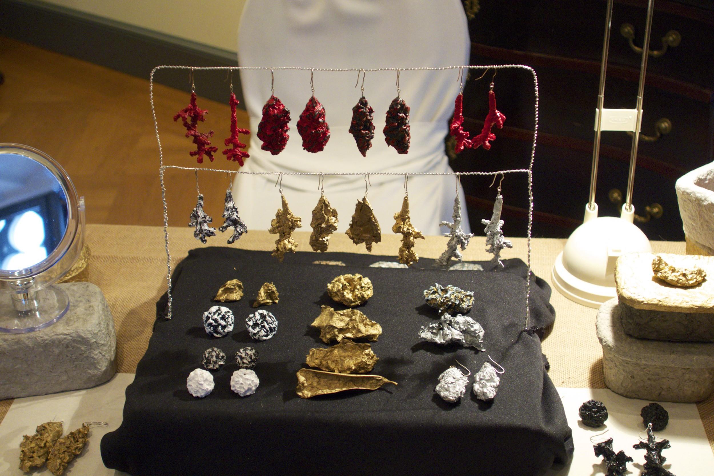 Paper Jewelry by Ruth Siegmund.