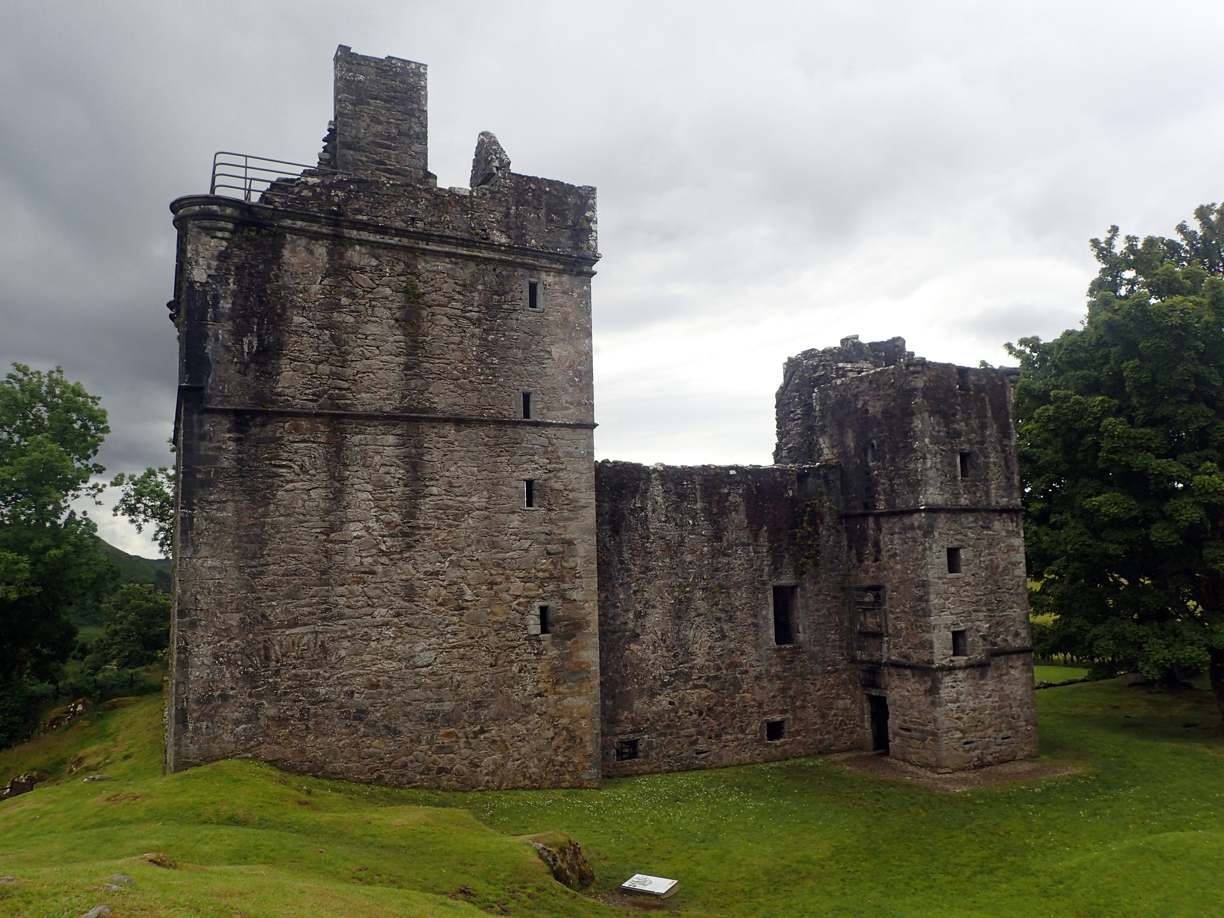 20150803 Castle at Kilmartin.jpg